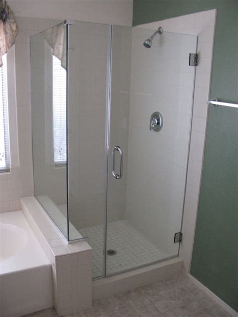 Frameless Shower Doors For Fiberglass Showers by 25 Best Ideas About Fiberglass Shower On