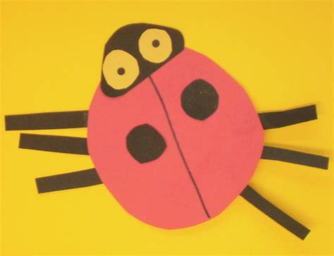ladybug paper craft ladybug craft using construction paper shapes crafts