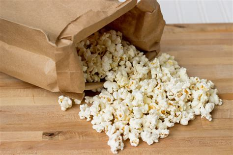 Popcorn In Brown Paper Bag - make microwave popcorn with a brown paper bag noshonit