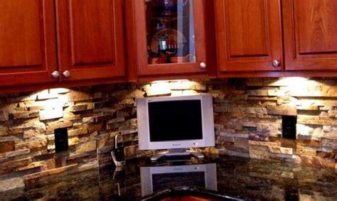 stone veneer kitchen backsplash ochre stone veneer backslash kitchen kitchen pinterest
