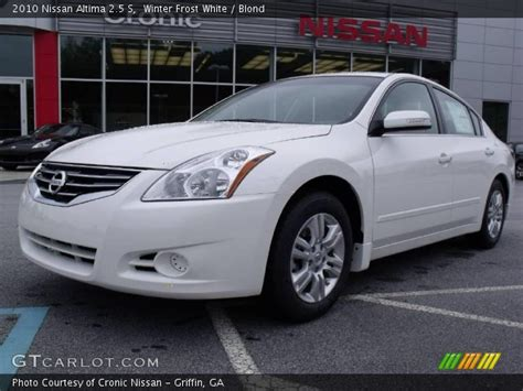 nissan altima white 2010 winter white 2010 nissan altima 2 5 s blond