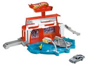 NIB Mattel Hot Wheels Team Hot Wheels Super Spin Carwash