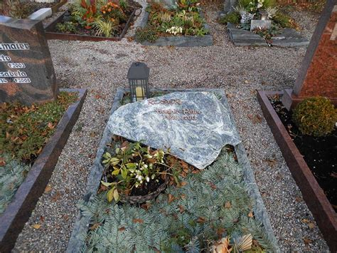 Kerzenhalter Urnenwand by Grabmale Grabmale