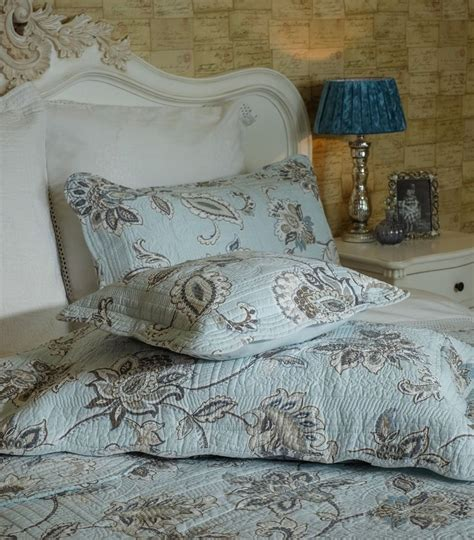 Duck Egg Quilted Bedspread by 1000 Ideas About Quilted Bedspreads On Throws