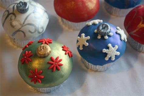 christmas cupcakes all dressed up around the world in 80