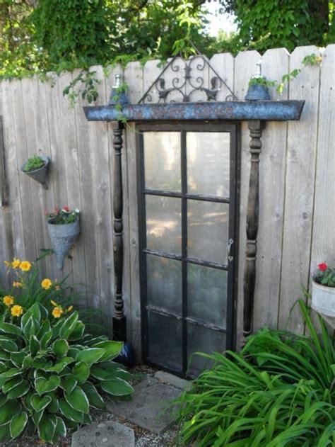 kreative outdoor küchen idee zaun streichen