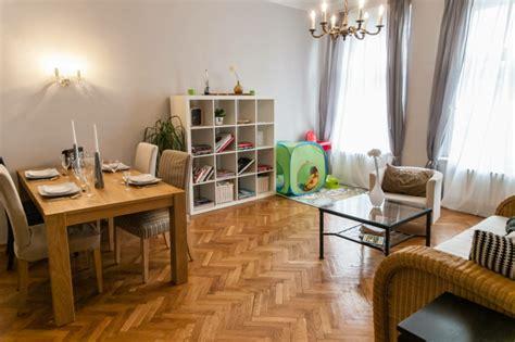 Wohnzimmer Weiß Einrichten by Wie Sie Ein Kinderfreundliches Wohnzimmer Einrichten
