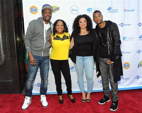 michael che and girlfriend michael wayans known people famous people news and