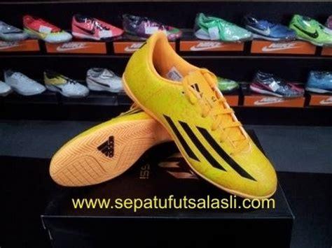 Sepatu Futsal Adidas Battle Pack F5 Messi In Wc sepatu futsal adidas f5 messi yellow black foto slide
