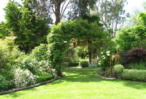 landscaping a large backyard awkward garden shapes old school garden