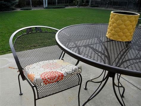 refinishing wrought iron patio furniture best 25 iron patio furniture ideas on painted patio furniture painting patio