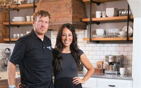 chip and joanna gaines net worth chip and joanna gaines divorce image mag