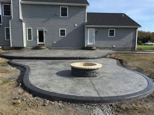 2 tier sted patio w 4 diam custom made pit 2