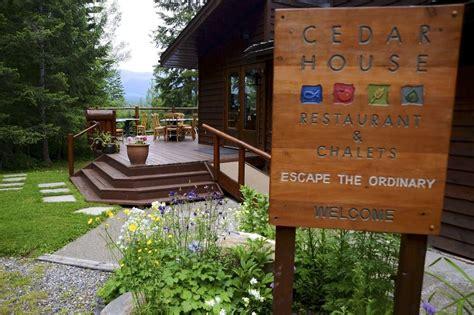 cedar house cafe cedar house restaurant chalets in golden hotel rates