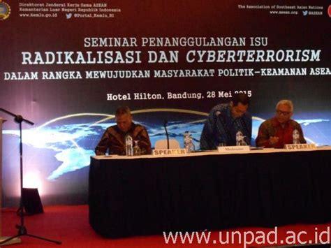 Politik Luar Negeri Indonesia Dan Isu Keamanan Energi pusat studi asean unpad bahas isu radikalisasi dan cyberterrorism universitas padjadjaran
