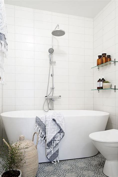 how to get rid of soap scum on bathroom tile 4 recipes that get rid of soap scum page 5 of 6