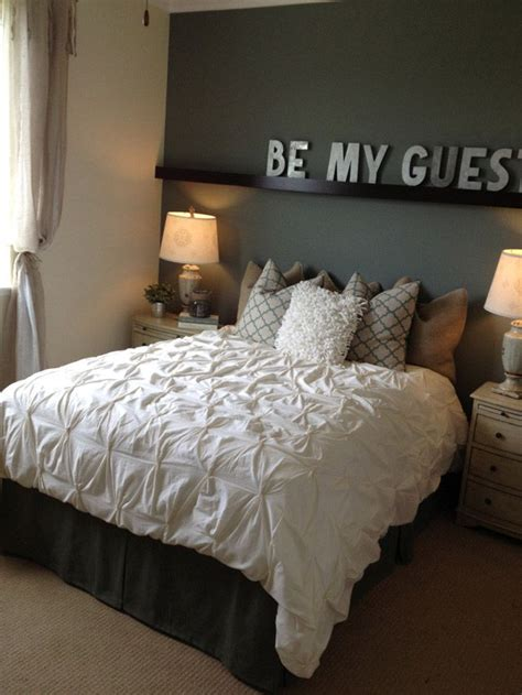 Spare Bedroom Decor by Best 25 Spare Bedroom Decor Ideas On Spare