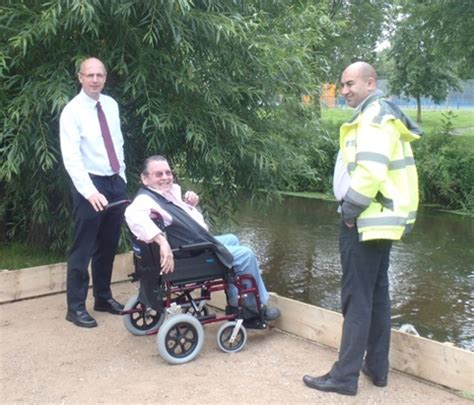 thames lock and weir permit thames region set for improved disabled access to rivers