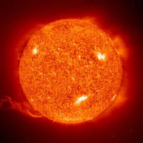 temperatura interna sole il sole probing the darkness