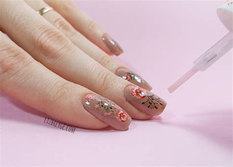 Easy Floral Nail