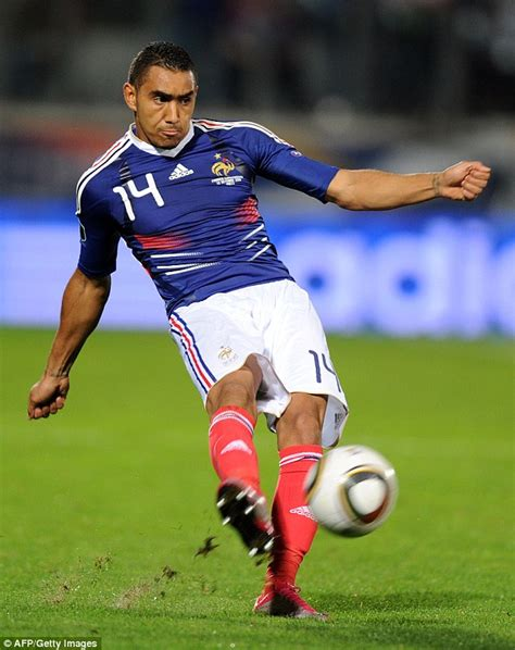 Sandal T Payet africanseer dimitri payet doesn t consider omission from squad an injustice