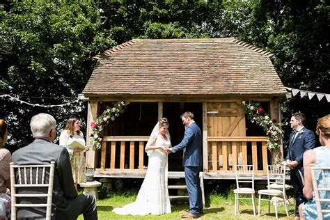Wedding Blessing Outside by Pretty Rustic Outdoor Wedding Blessing At Gilding Barn In