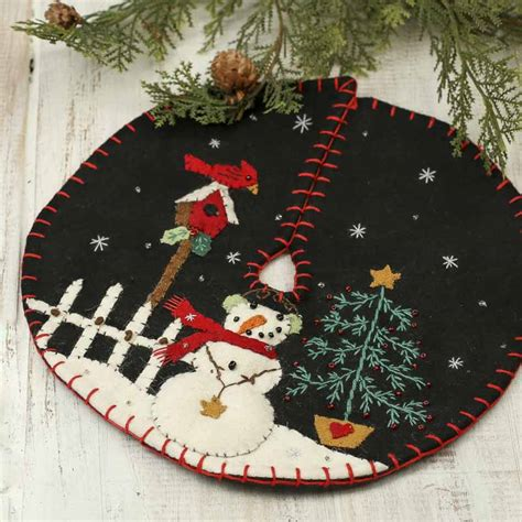 small christmas snowman scene embroidered tree skirt