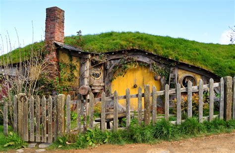 hobbit house new zealand viator hobbit house in hobbiton waitomo caves and the