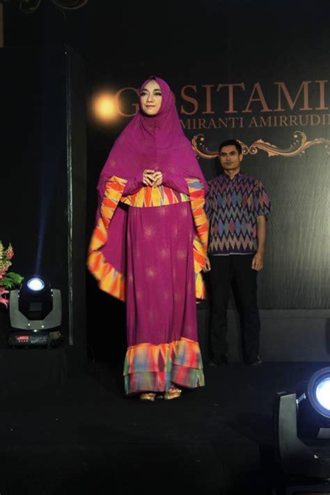 Busana Muslimah Tenun Soft Cover elegan dari tangan pengacara co id