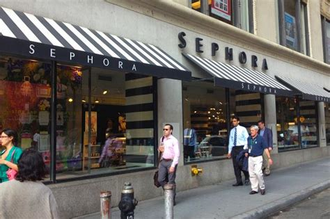 Sephora Gardens by Fidi Sephora Employee Busted For Stealing 1 000 In