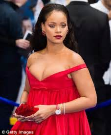 1 Year Old Bedroom Rihanna Buys 6 8million Six Bed West Mansion