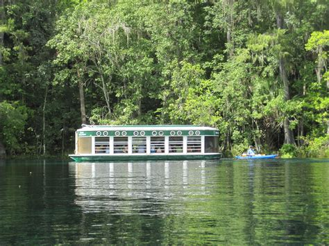 Kayaking on Florida's Silver River and Silver Springs
