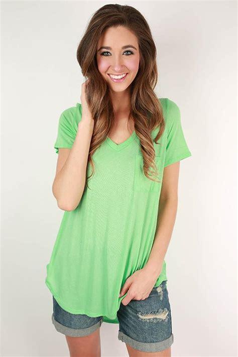 Pocket Tunik V pocket v neck tunic in neon lime impressions s clothing boutique