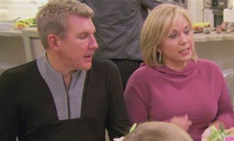 julie chrisley new haircut julie chrisley gets modern makeover on chrisley knows best
