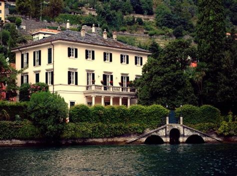 george clooney home in italy 12 luxurious celebrity homes that awe inspire triphobo