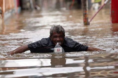 obeng unik 2 way pendek bisa stel panjang pendek 3 kombinas t30 2 7 kebiasaan unik warga indonesia di tengah bencana banjir