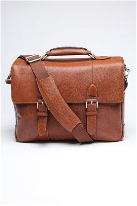 Ask Styledash A Messenger Bag For My by 25 Best Ideas About Briefcases On Leather