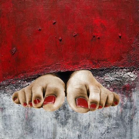 behind the red curtain bild rot gardine fu 223 nagellack von djembe bei kunstnet