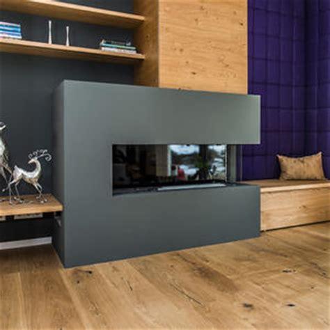 wohnzimmer mit kamin sitzbank gepolstert ideen 358 bilder roomido