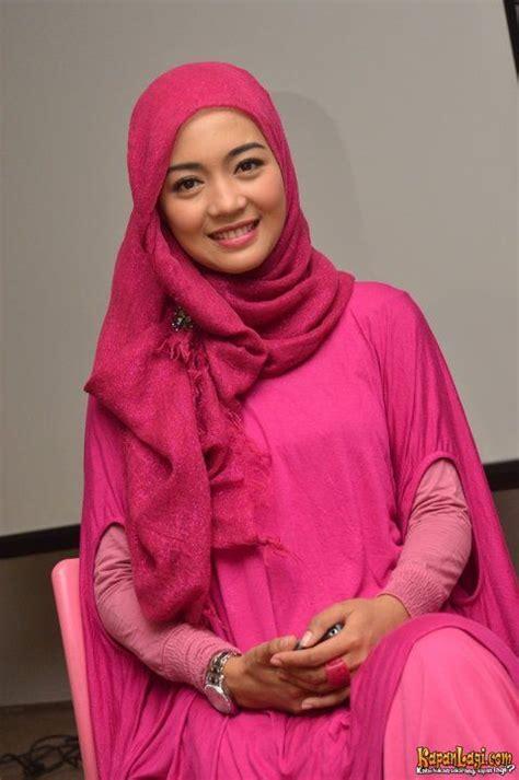 tutorial hijab nuri maulida jilbab anggun warna pink nuri maulida hijab art