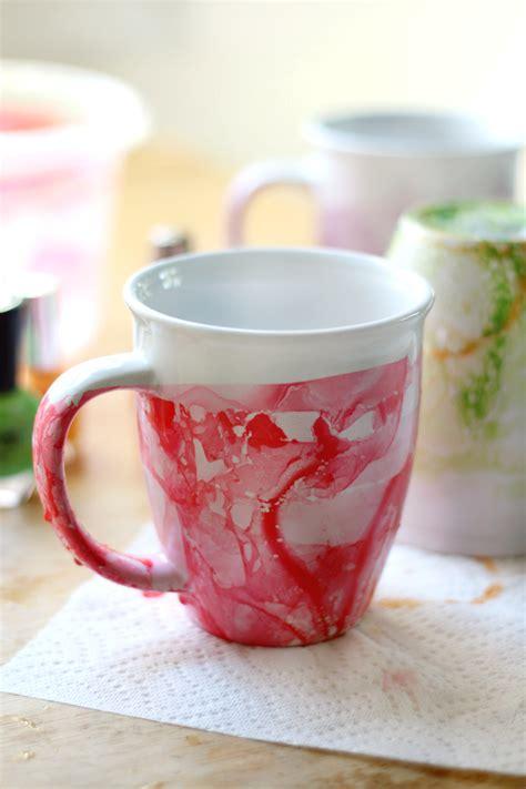 design coffee mug with nail polish diy marbled nail polish mugs