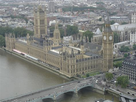 MPs back relocation during Houses of Parliament revamp