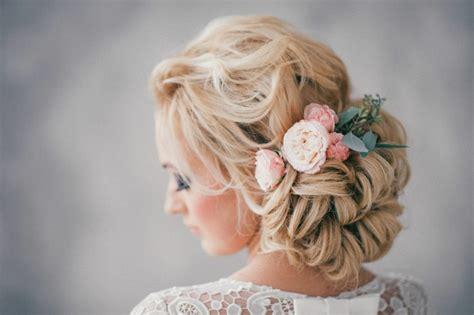 Hochzeitsfrisur Offen Blumen by 1001 Ideen F 252 R Brautfrisuren Offen Halboffen Oder