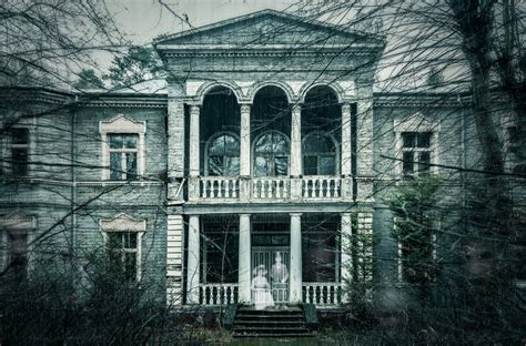 famous haunted houses america s most famous haunted houses hotpads blog