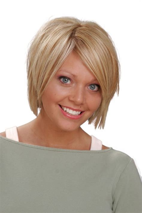 short hairstyles for round faces plus size short layered hairstyles for round face women medium haircut