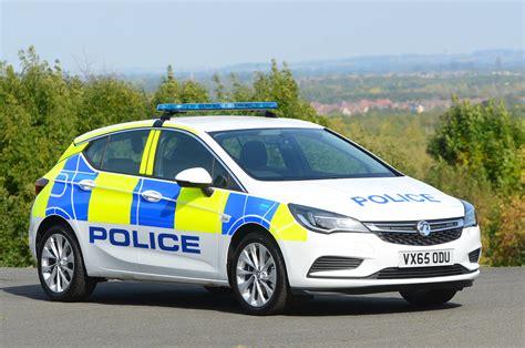 Astras Arrest: Vauxhall signs large UK police car deal