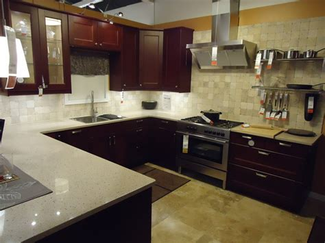 kitchens store file kitchen design at a store in nj 3 jpg wikimedia commons
