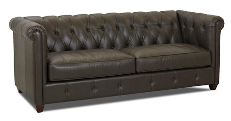 Traditional Chesterfield Sofa Klaussner Beech Mountain L45200 S Traditional Chesterfield Sofa With Rolled Arms And Tufting