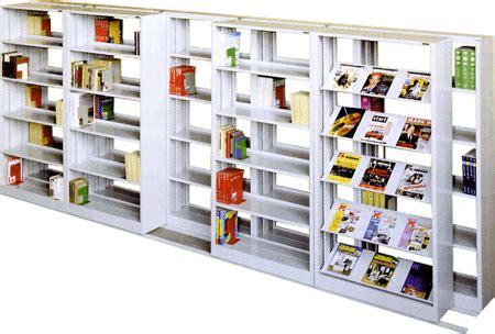scaffali per biblioteche contatti