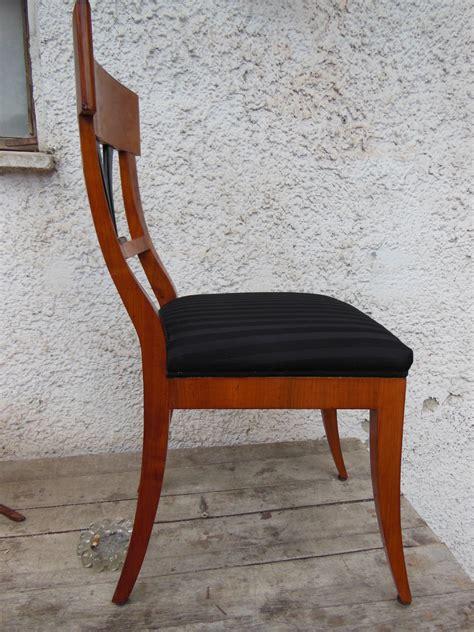 biedermeier stuhl biedermeier stuhlsatz kirschholz furniert sehr sch 246 n